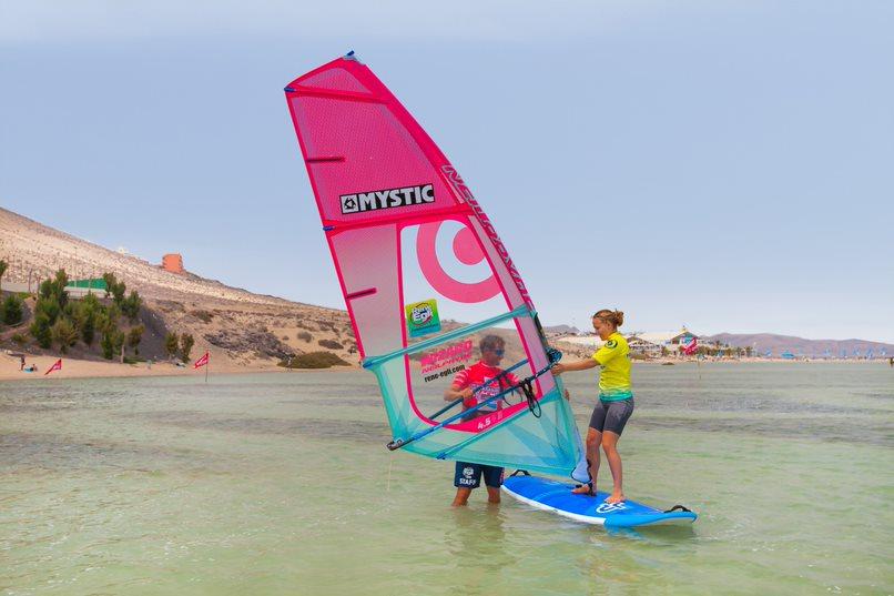 rene-egli-windsurf-lessons-sotavento