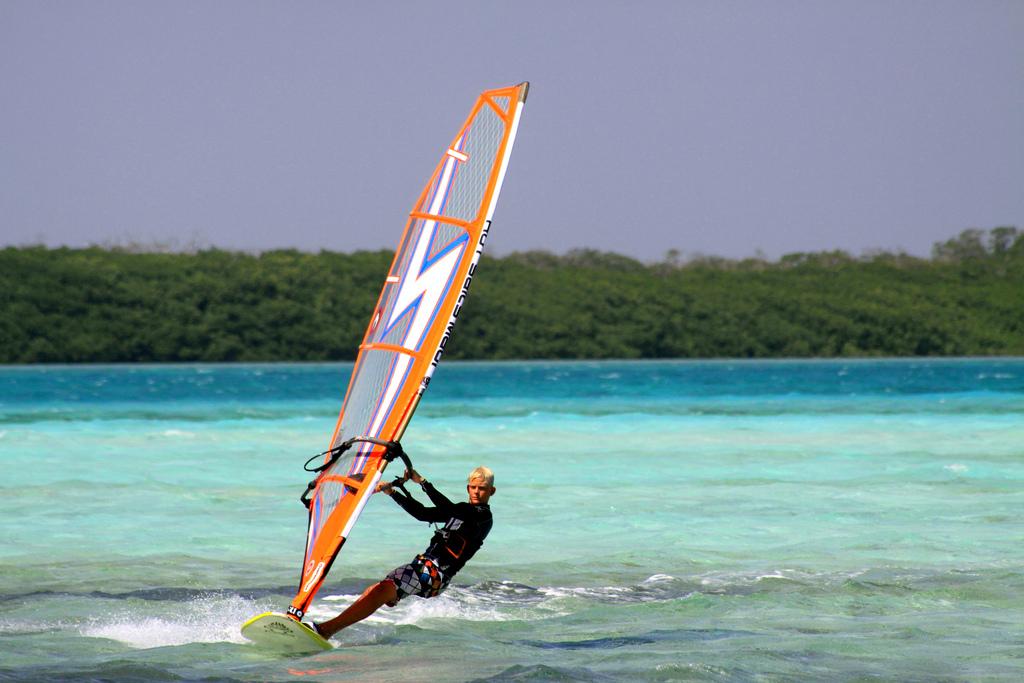 caribbean-windsurf