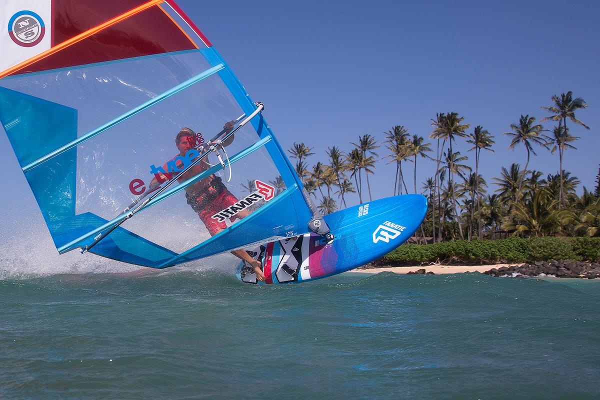windsurf-gybe