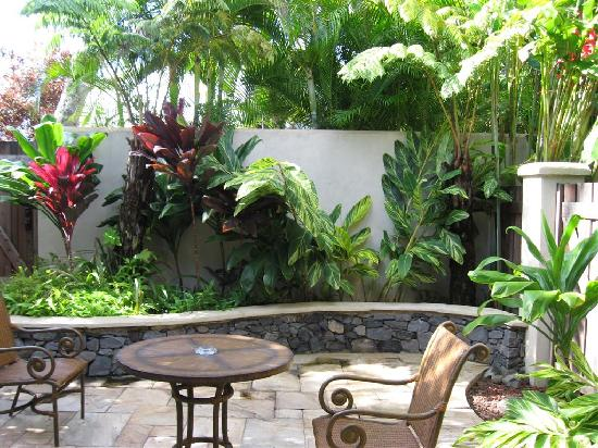 Hotels in maui  : Mamma s Fish House Inn