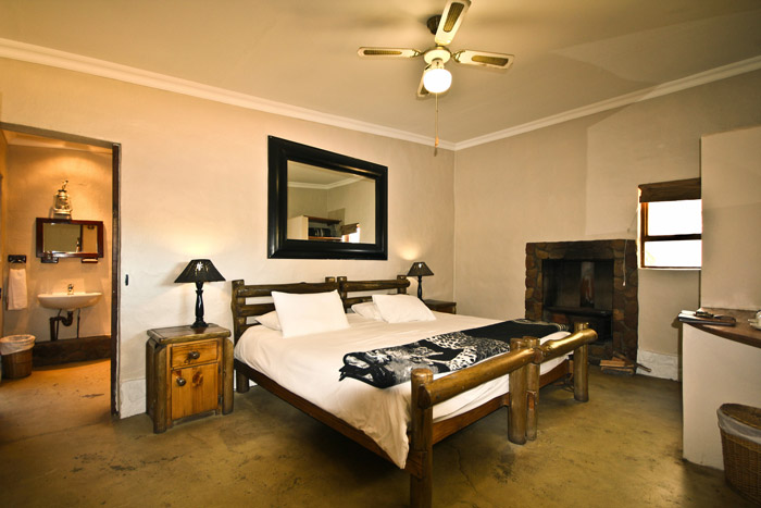 HOTEL in LANGEBAAN--SAFARI--CAPE-TOWN