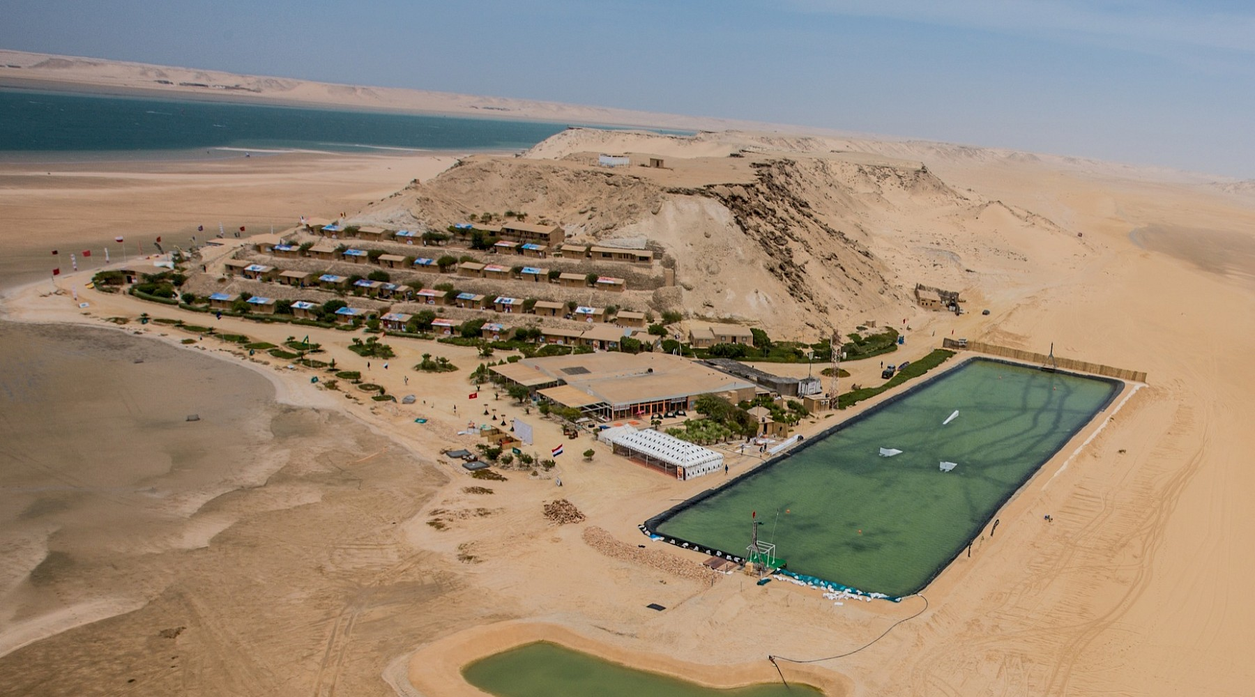 HOTEL in WAVES--FLAT-WATER-IN-DAKHLA